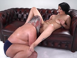 Be in charge young Ava Black hard fucked by a senior man