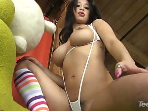 Jade Kush Large-Bosomed Playmate