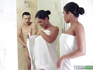 Two sexy babes cannot droop any longer involving fuck their shy friend