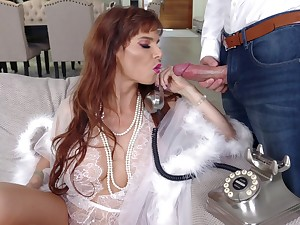 Truly stunning MILF Syren De Mer is ready to take cock into her mouth for BJ
