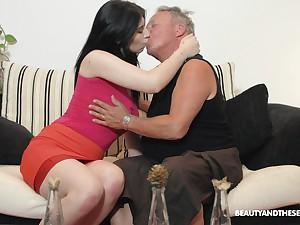 Brunette nympho Sheril Blosso enjoys unwitting sex with senior