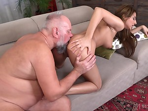 Sarah Cute makes the different to not far from an older man a good majority