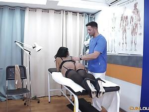 Oiled hottie Kesha Ortega enjoys having sex after the massage